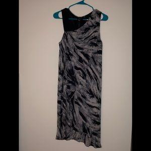 Accent shoulder dress marbles pattern shift dress